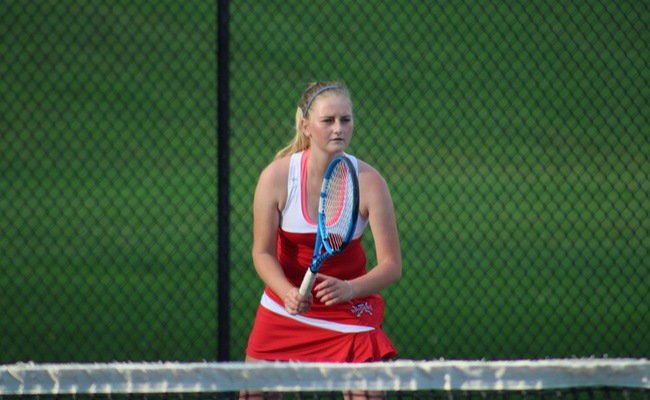 Women's Tennis Locks Down Playoff Spot