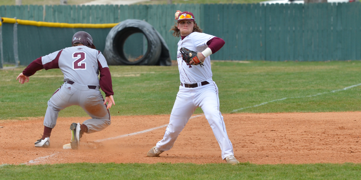 Baseball Falls in High Scoring Double-Header to College of the Ozarks