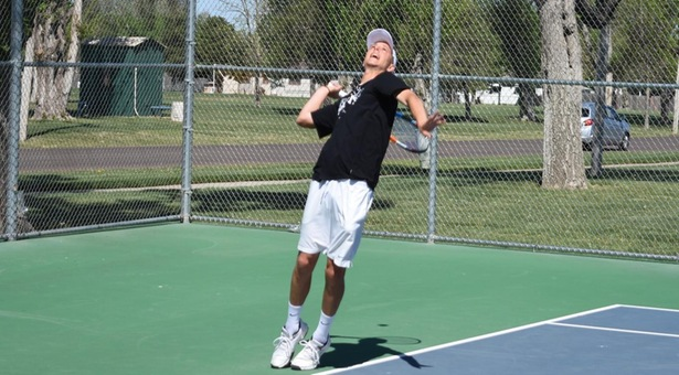 Berg heads to finals for Saints tennis team