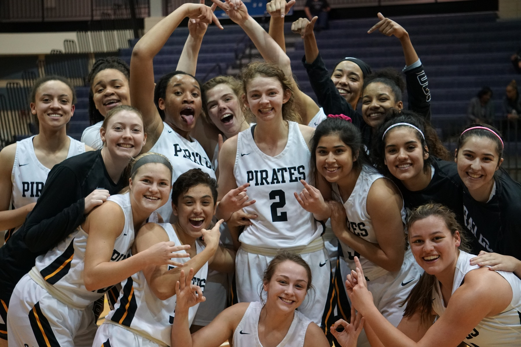 Tori Carraway Scores 1,000th Career Point, Leads Women's Basketball Past Centenary