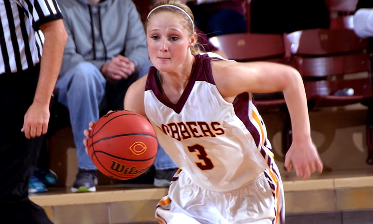 Junior Greta Walsh had nine points, and was a perfect 6-for-6 from the free throw line, in the fourth quarter of the Cobbers' win at UC-Santa Cruz