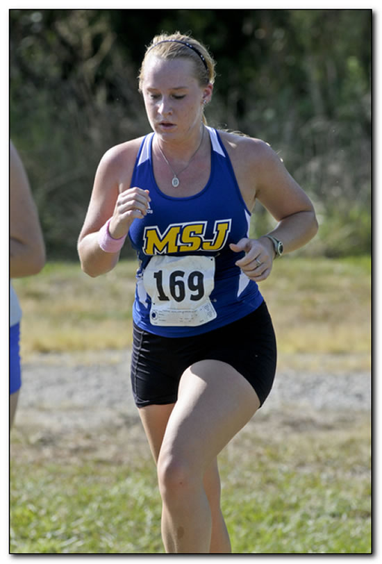 Lions' women's cross country team kicks off 2014 action near home