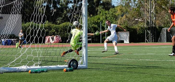 Oxy Soccer Stays Hot, Routs Caltech