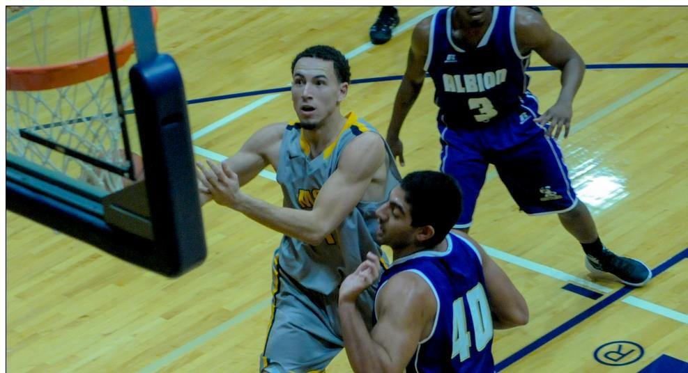 Men's basketball gets another big conference win