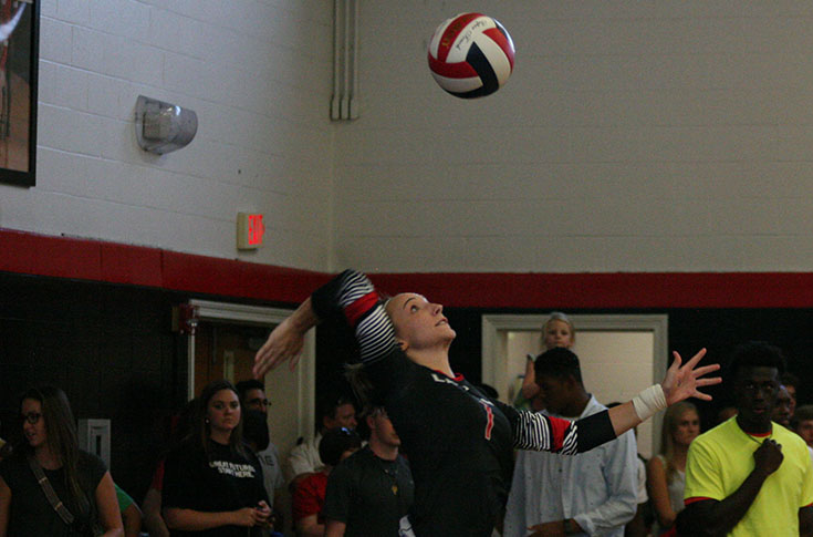 Volleyball: Panthers split matches against Fisk and Wesleyan