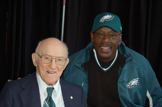 Reds Bassman, pictured here with Harold Carmichael, was the oldest living Philadelphia Eagles player. Bassman passed away on Tuesday at the age of 97
