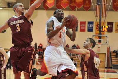 Coe beats Simpson men, 79-65