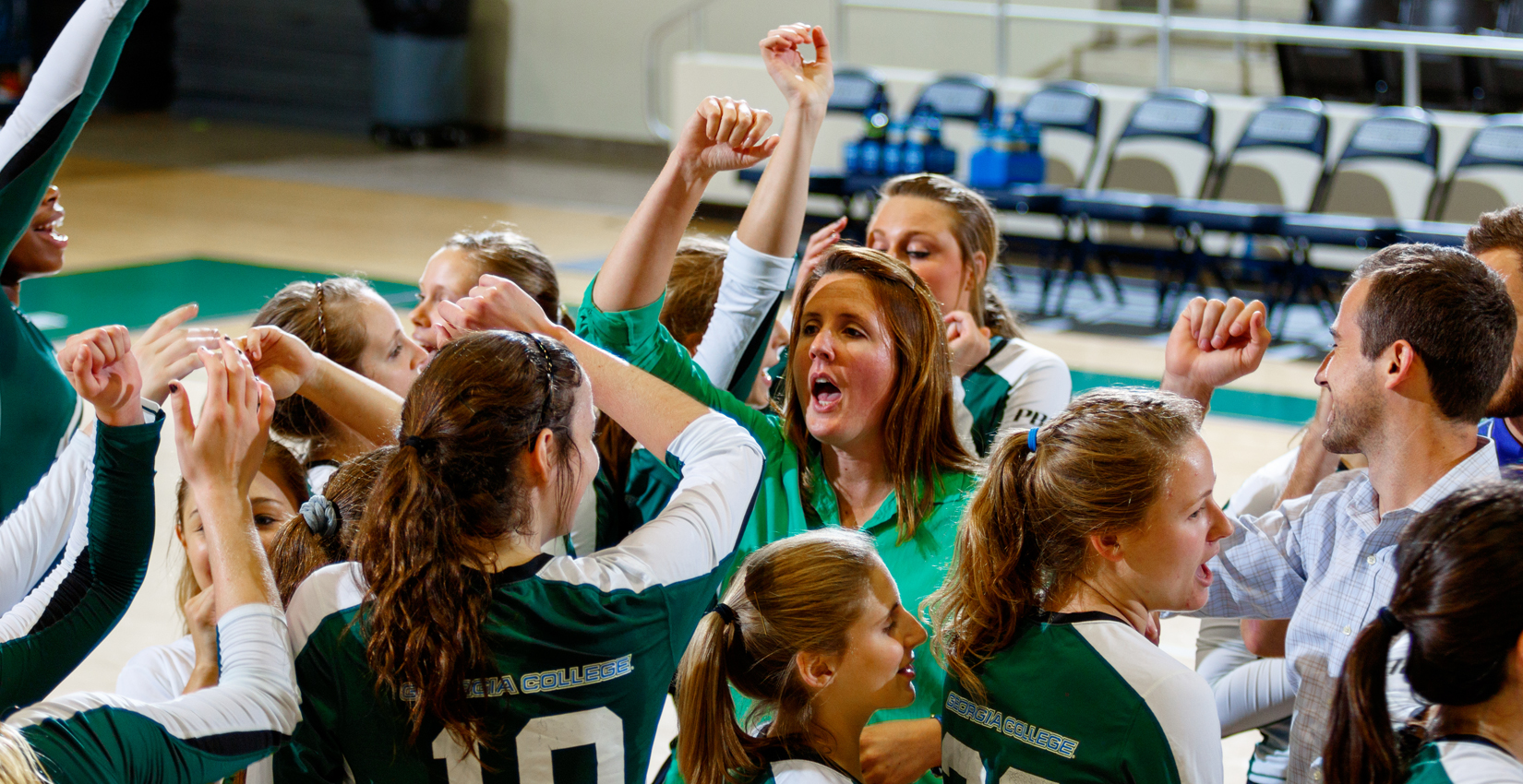 Bobcat Volleyball Splits Opening Day in Florida