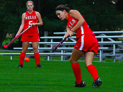 Lakers Set Down Field Hockey, 4-2