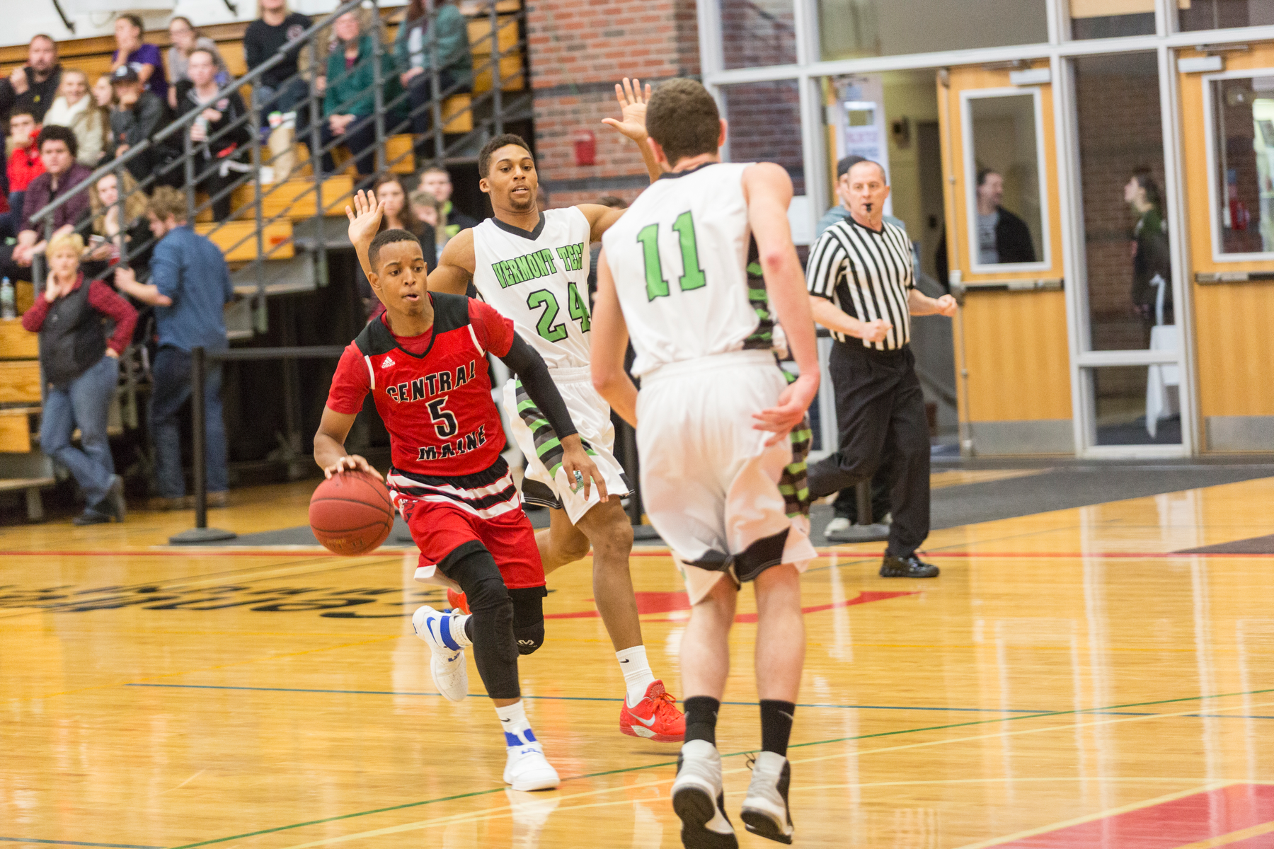Home Crowd Leads Mustangs to Victory Over SMCC