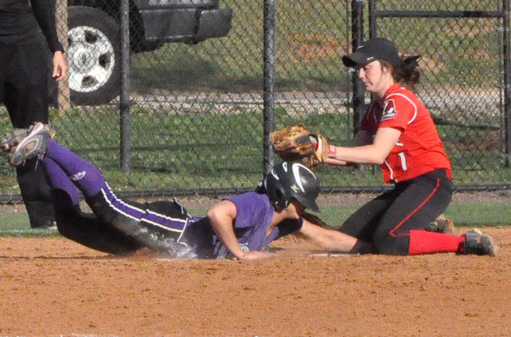 Softball: Panthers rally to complete sweep of Agnes Scott
