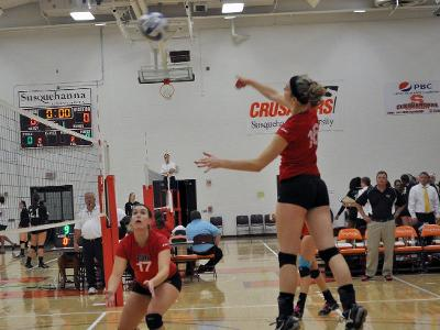 Catholic Volleyball Finishes Conference Weekend 2-1
