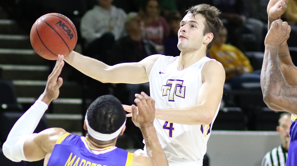 Hot-handed Golden Eagles down OVC East Division rival Morehead State, 76-73
