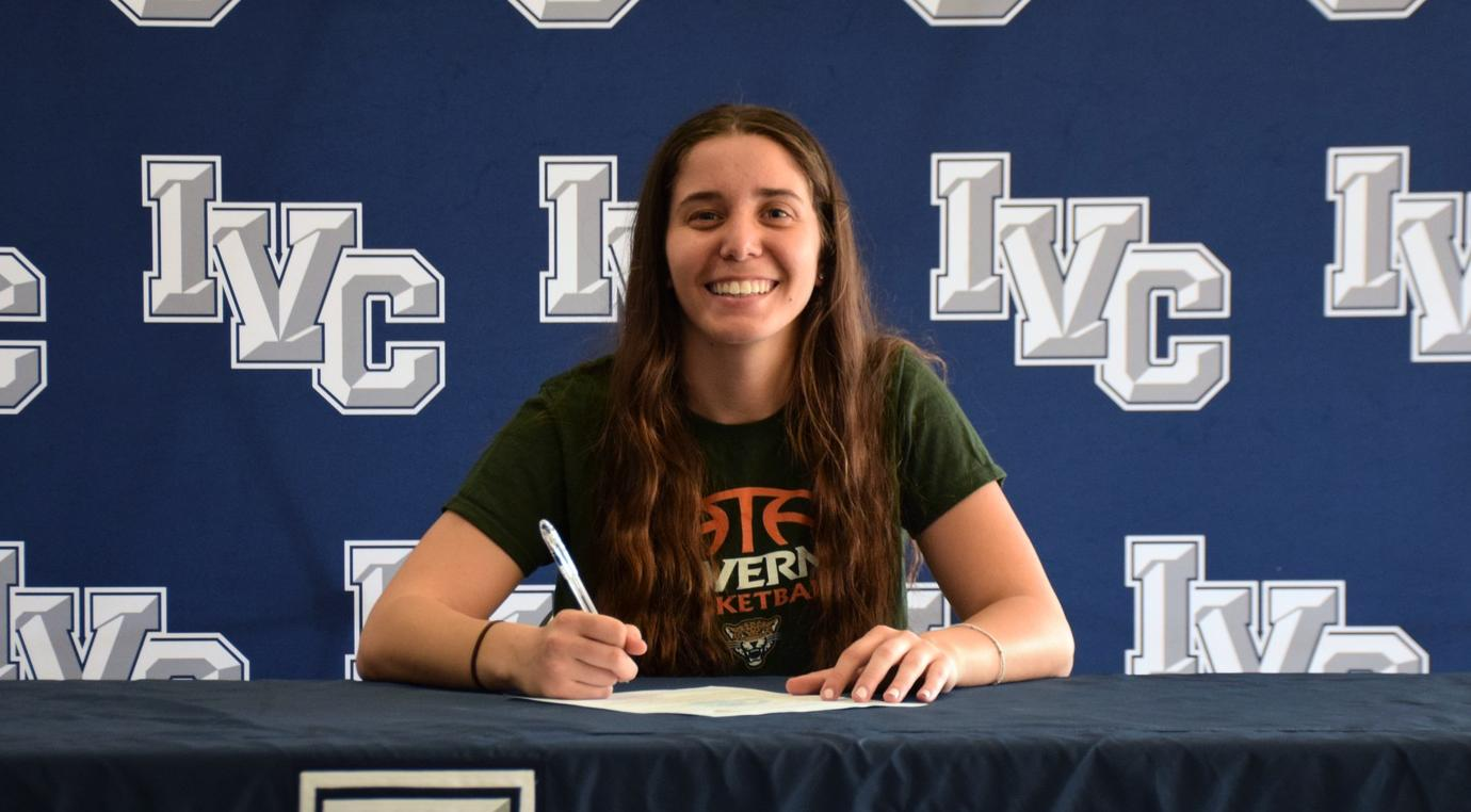 Women's basketball player Mary Dishoian signs with La Verne
