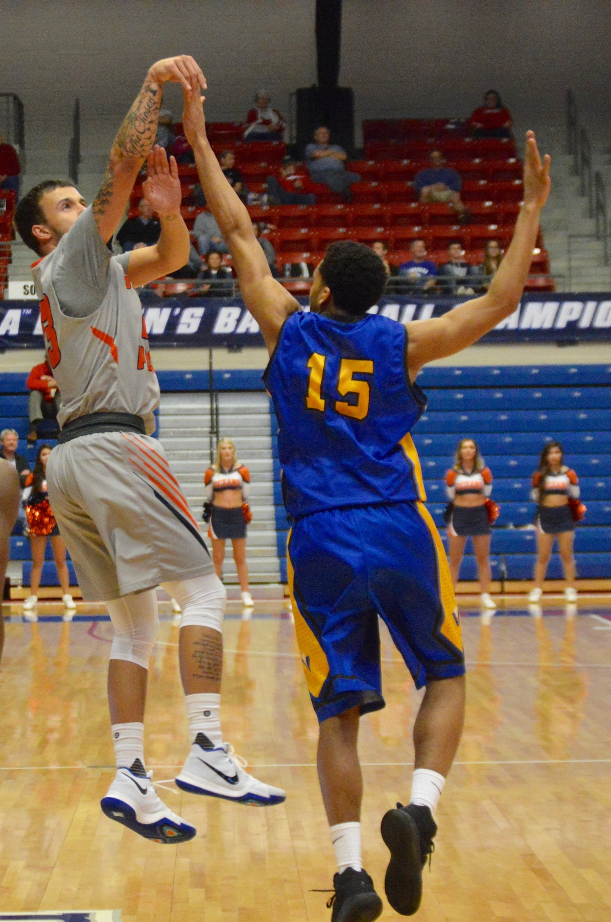Brangers' last-second 3-pointer sends Texans to NJCAA Final Four with 69-67 win over Vincennes on Thursday