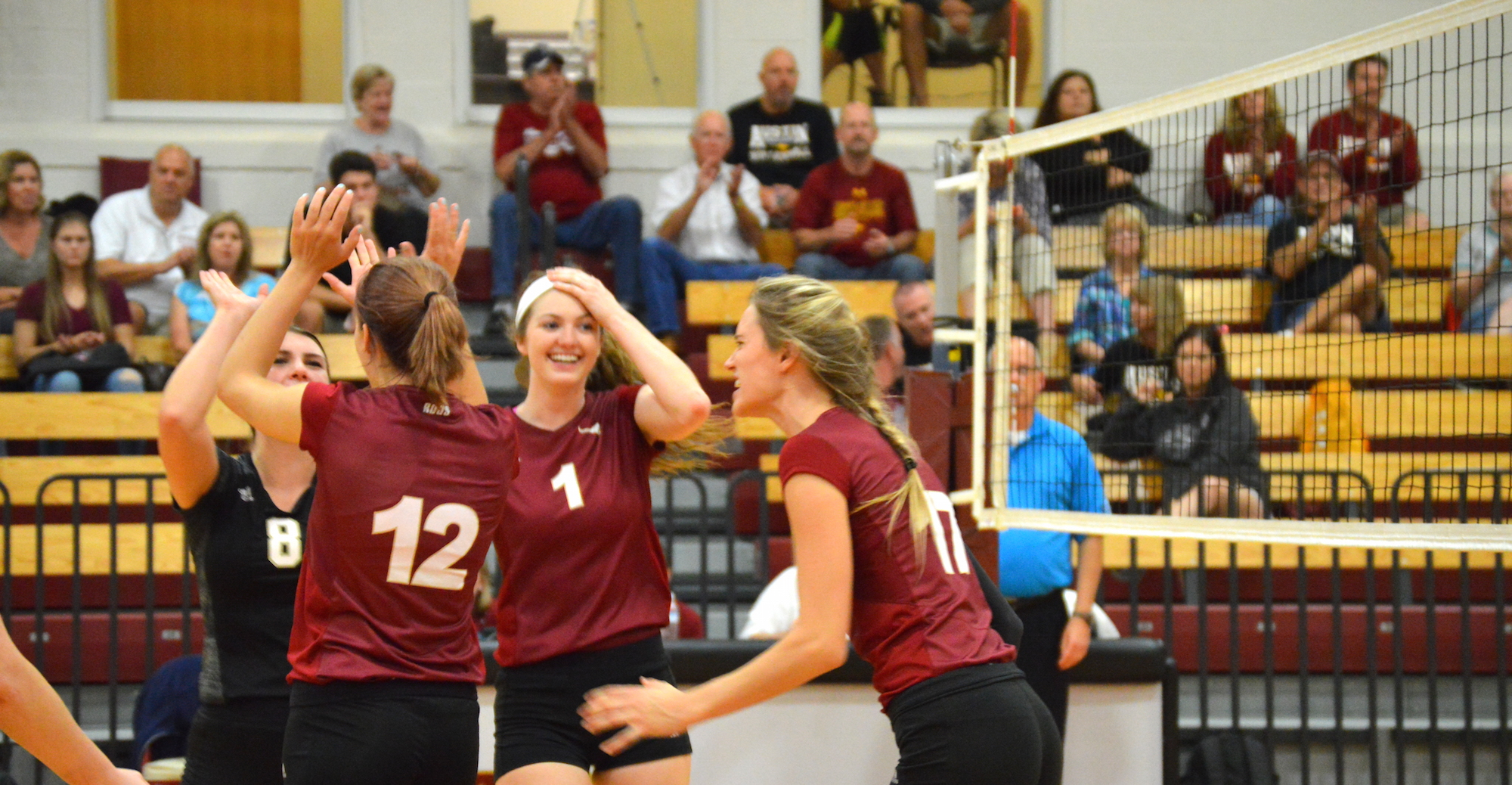 'Roo Volleyball Sweeps TLU and Schreiner