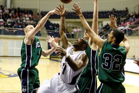 "#23 GCSU lets out a ""whew"" as they escape Hurricane scare, 61-60"