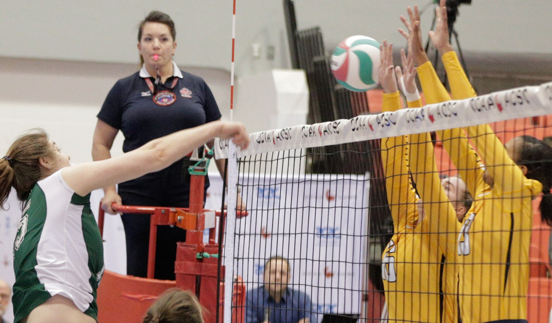 WOMEN'S VOLLEYBALL SET OUT FOR PRE-SEASON CHALLENGES IN QUEBEC