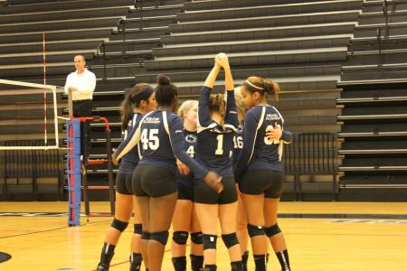 Women's Volleyball Powers Its Way to Quad-Match Sweep