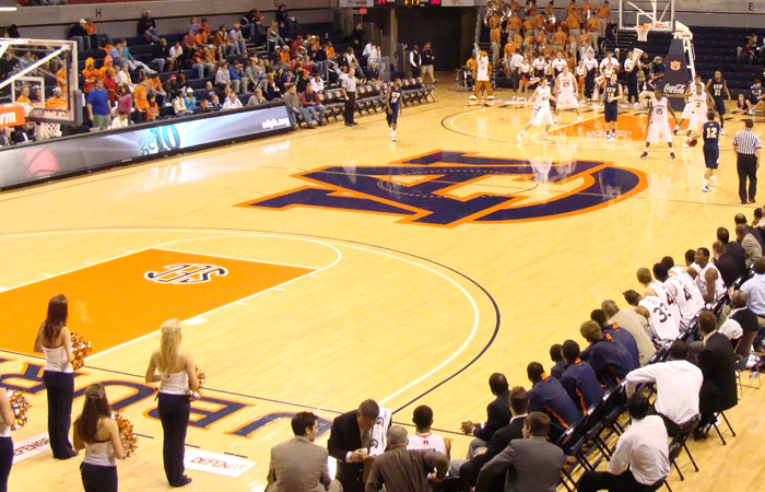 Free Admission To Exhibition At Auburn On Monday