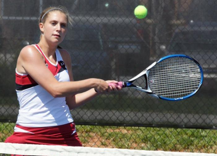 Women's Tennis Team Begins Season 1-1