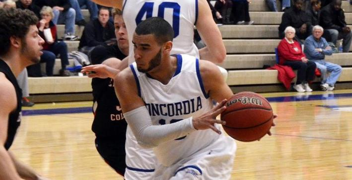 Men's Basketball downed by No. 13 UW-Whitewater in non-conference play