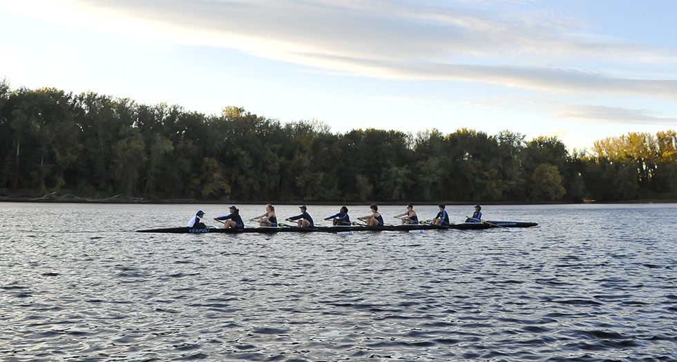 Rowing Opens 2016-17 Season at Quinsigamond Snake Regatta