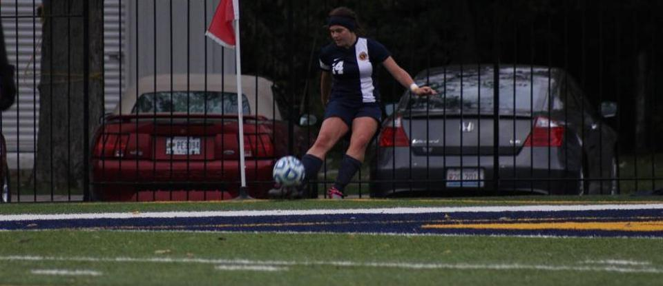 Offense Shines in Women's Soccer Win over Defiance