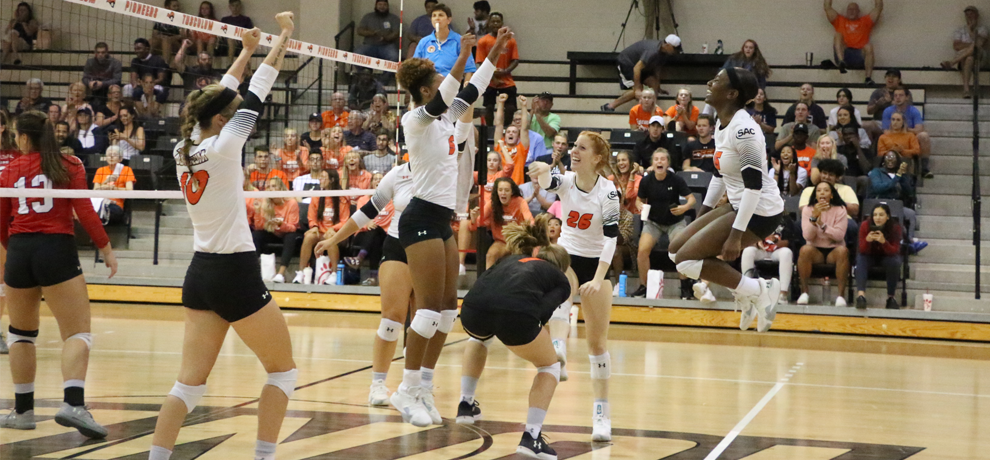 Pioneers Overwhelm Bears in a Saturday Sweep
