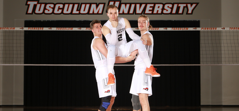 Men's Volleyball Goes West for Weekend