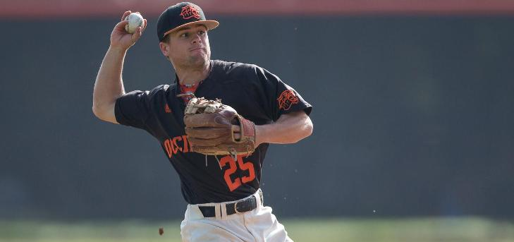 Oxy Wins 10th in a Row, Sweeps Whittier
