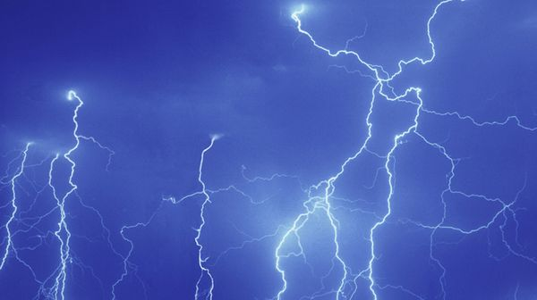 Softball doubleheader cancelled due to lightning