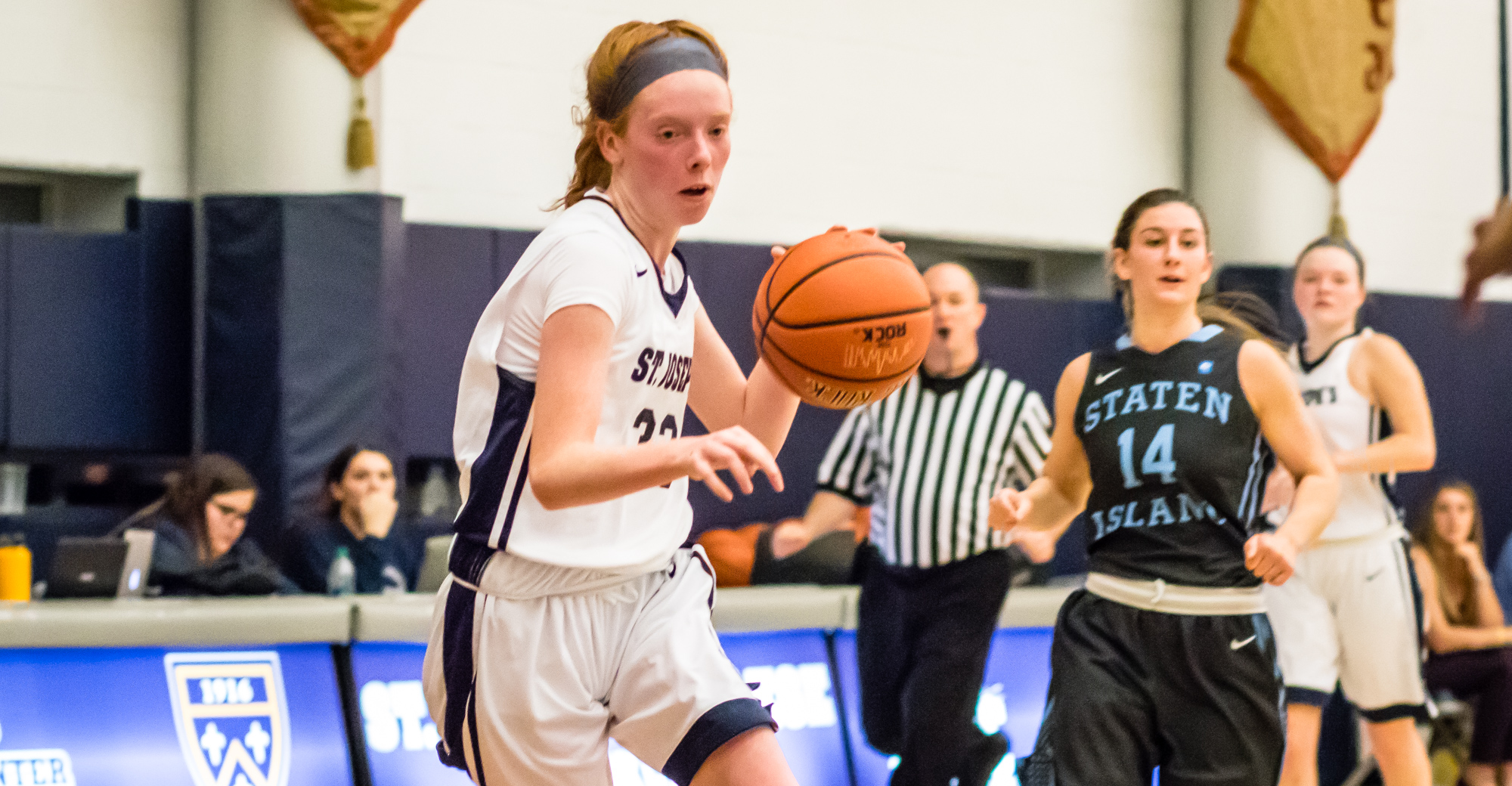 Women's Basketball Cruises to First Win of 2017-18 Topping York