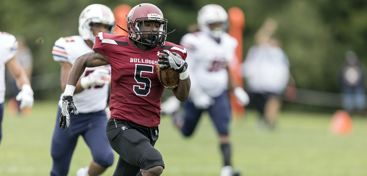 Errol Breaux had two touchdowns for Dean, including a 93-yard kickoff return for a touchdown in the Bulldogs 33-22 setback to Western Connecticut State (Frank Poulin photo).