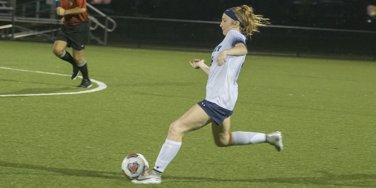 Forsythe's hat trick leads Wolverines to first conference win