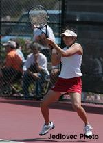 Women's Tennis Sweeps Saint Mary's