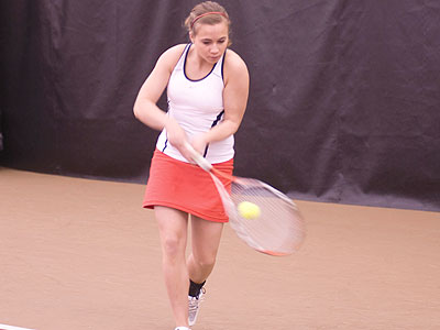 Bulldog women's tennis player Amy Ingle