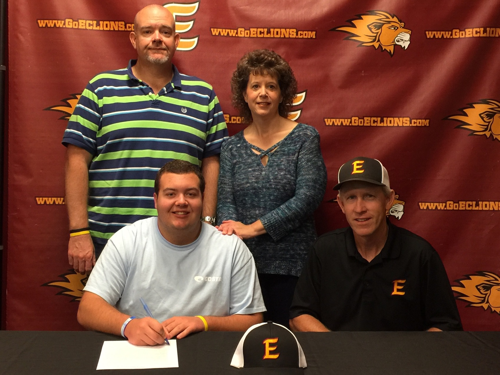 Cosper Signs with Clay Target Shooting Team