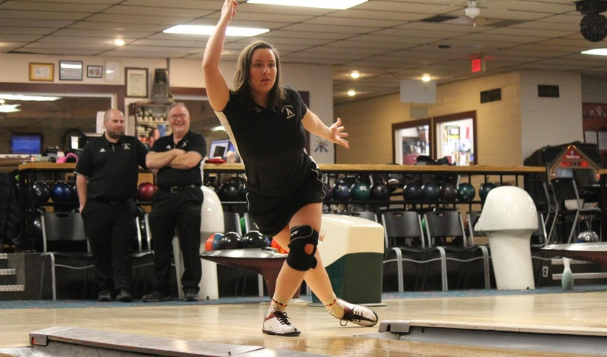 Bowling Takes Sixth Place at Kegel/ISBPA Midwest Collegiate Classic