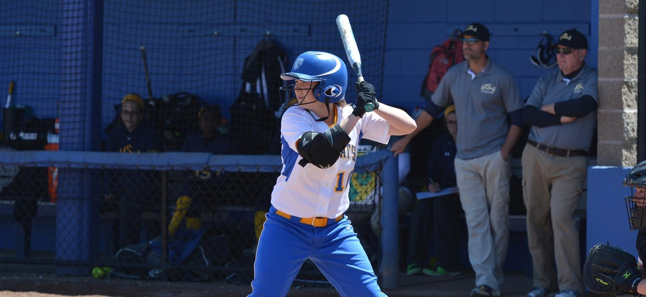 Offensive Explosion Leads Softball to Doubleheader Sweep of Lasell