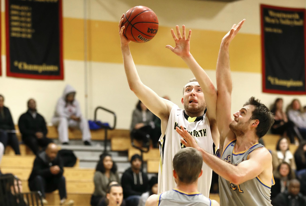 Four Score in Double Figures as Men's Basketball Wins Sixth Straight