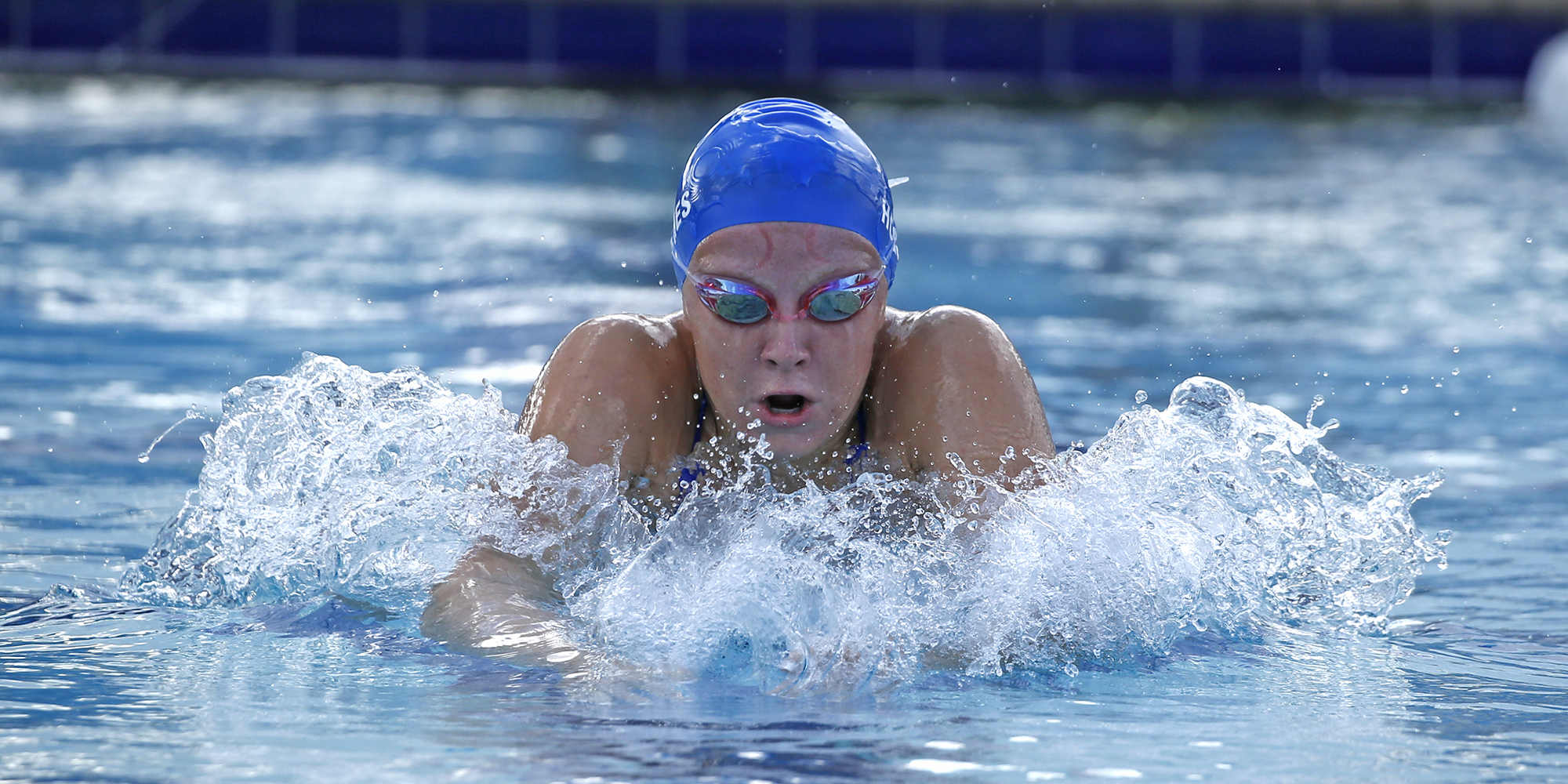 Women's Swimming Loots Tars in Victory