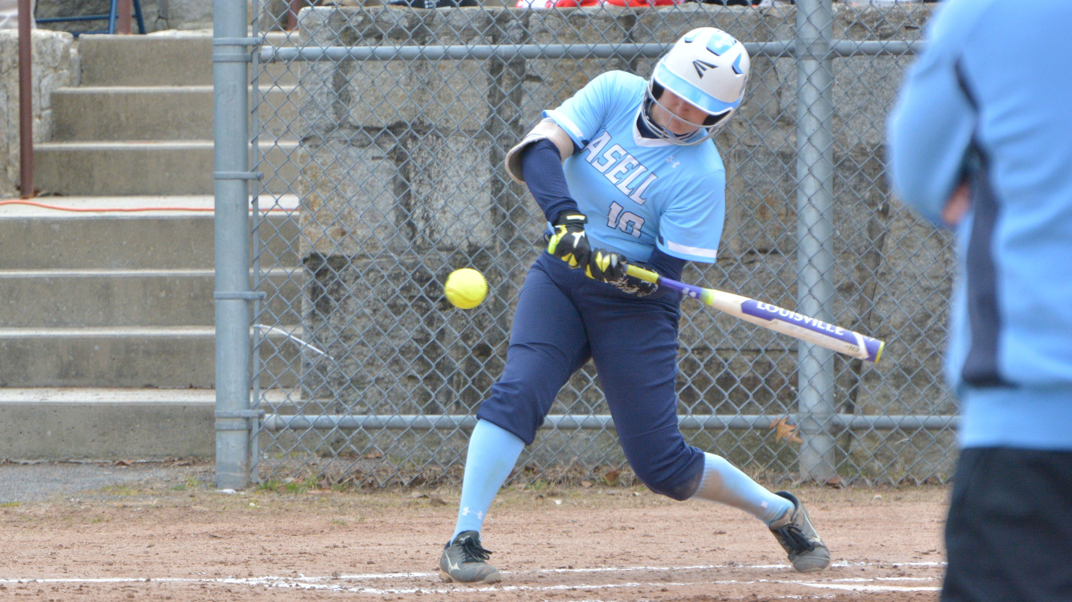 Lasell Softball splits two games on Day Two in Florida
