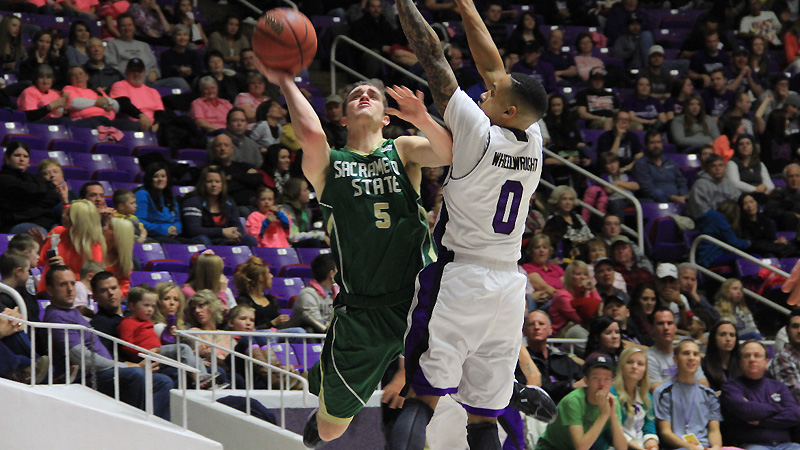 MEN'S HOOPS KEEPS IT CLOSE WITH UNBEATEN WEBER STATE, BUT FALLS IN THE END