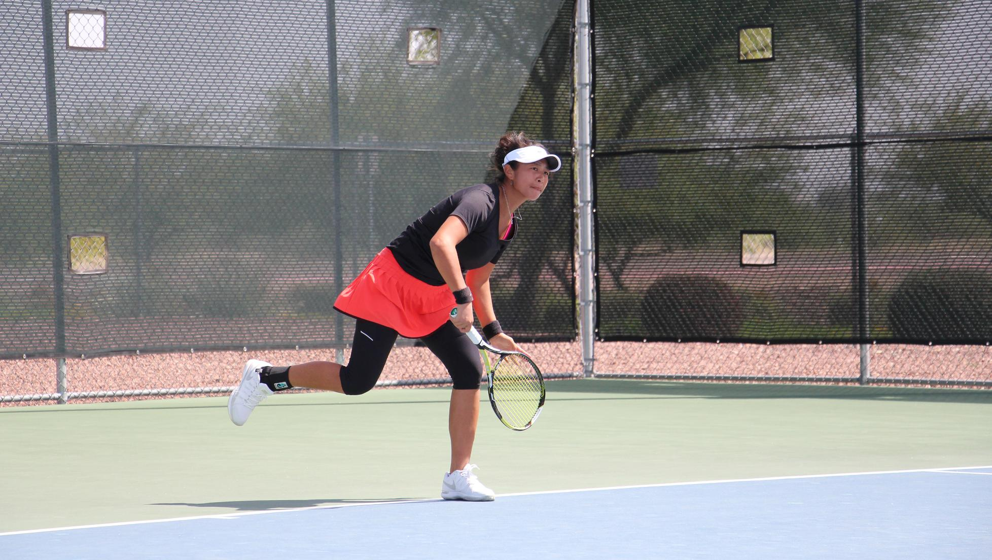 Singles play pushes Seasiders past Cougars