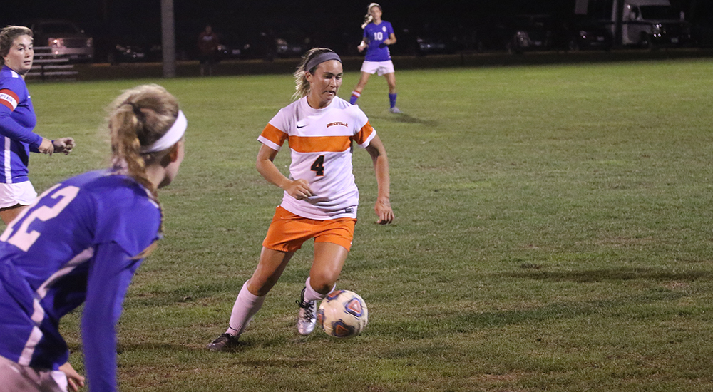 Women's soccer defeats MacMurray 4-1
