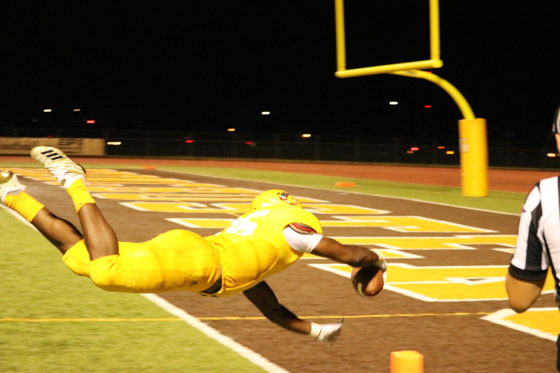 Broncbusters roll past Dodge City on opening night