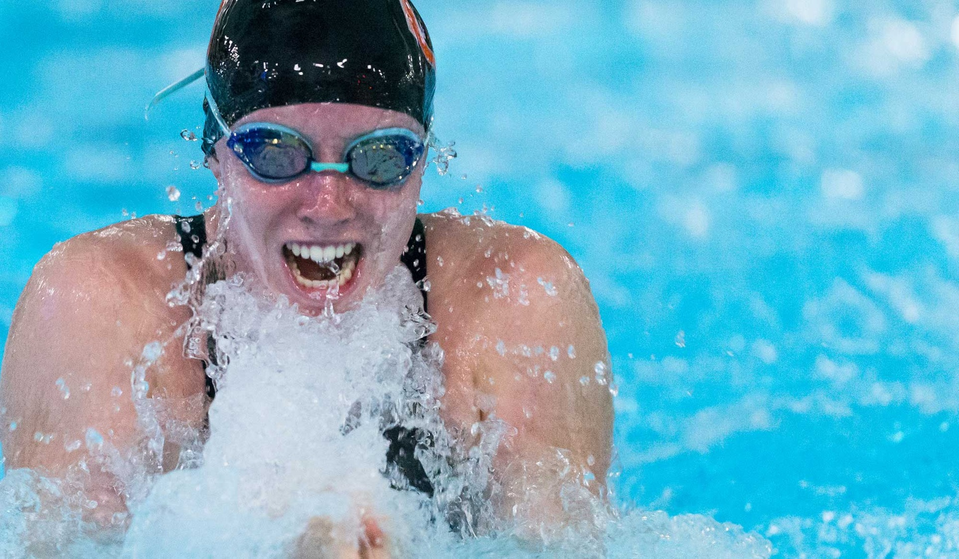 Oxy Swim and Dive Teams Open Season at Pepperdine