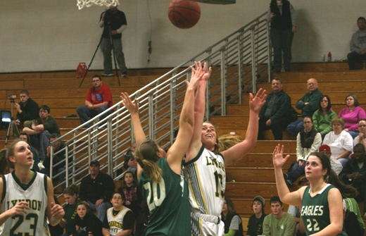McConkey powers Hornets past Eagles