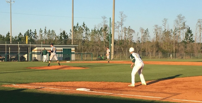 Gators Thump Undefeated Valdosta 10-5